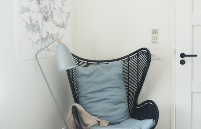 Egg Chair HK Living en DLM in werkruimte interieuradvies Buro Binnenkans